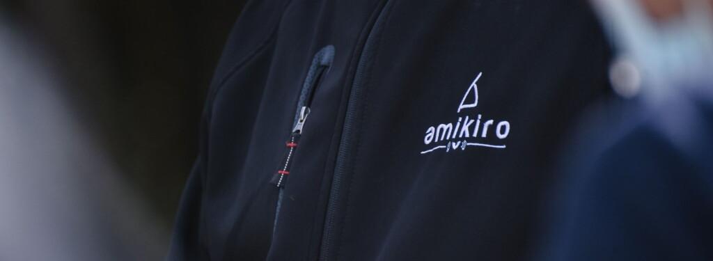 Logo veste Amikiro 2 - Arnaud Hellégouarch